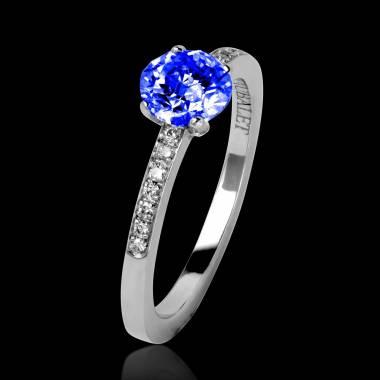 Bague de fiançailles saphir bleu pavage diamant or blanc Judith