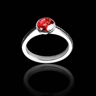 Bague de fiançailles rubis rond pavage diamant noir or blanc Moon
