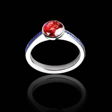 Bague de fiançailles rubis rond pavage saphir bleu or blanc Moon