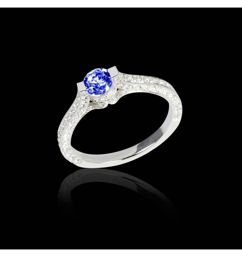 Bague de fiançailles saphir bleu pavage diamant or blanc Mont Olympus