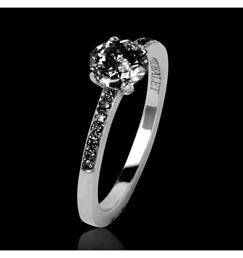Bague de fiançailles diamant noir pavage diamant noir or blanc Judith