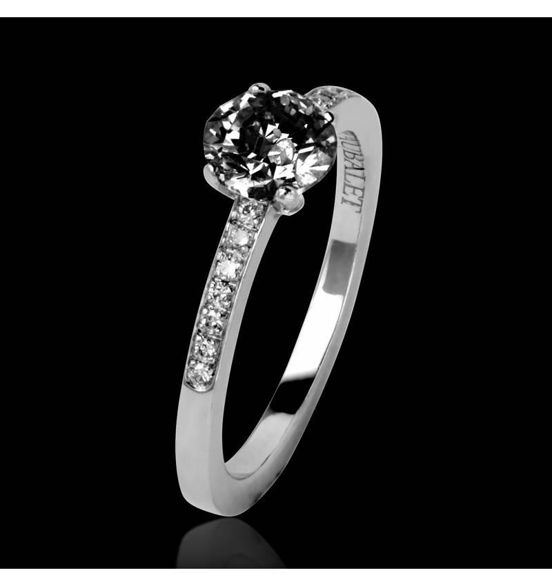 Bague de fiançailles diamant noir pavage diamant or blanc Judith