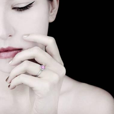 Bague saphir rose pavage diamant or blanc Rekha Solo