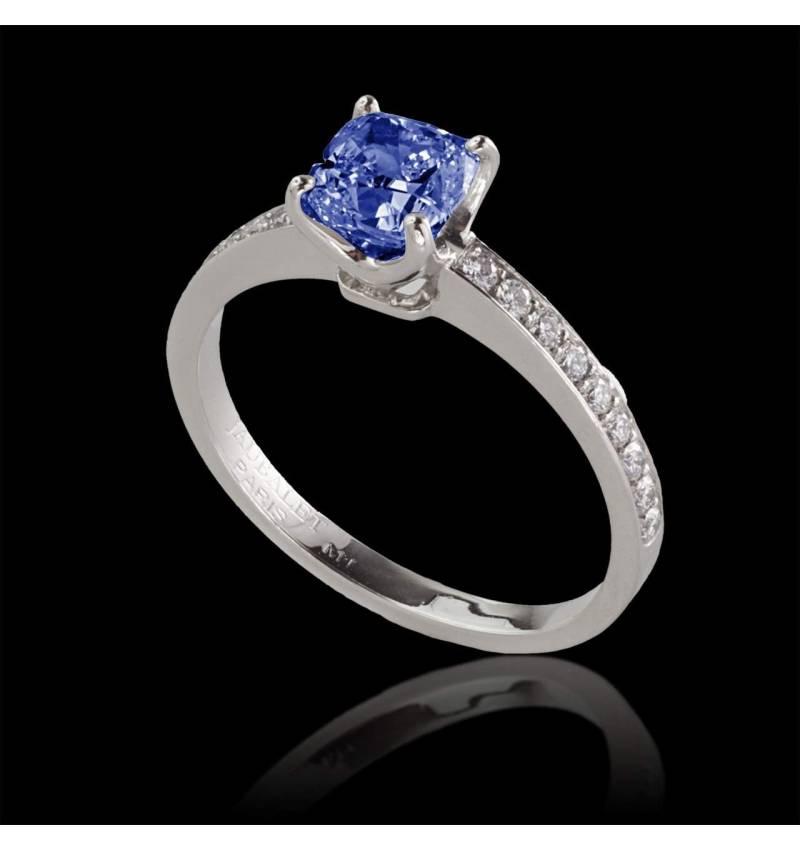 Bague de fiançailles saphir bleu pavage diamant or blanc Sandy
