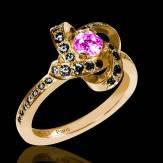 Bague de fiançailles saphir rose pavage diamant noir or jaune Chloé