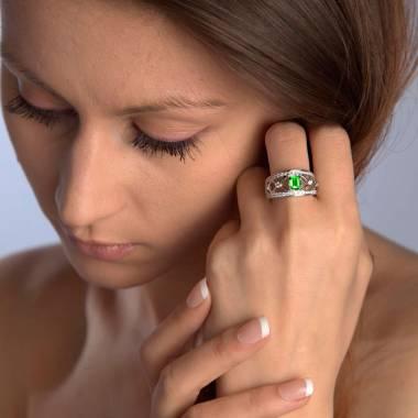 Bague de fiançailles émeraude forme émeraude pavage diamant or blanc Régina Suprema