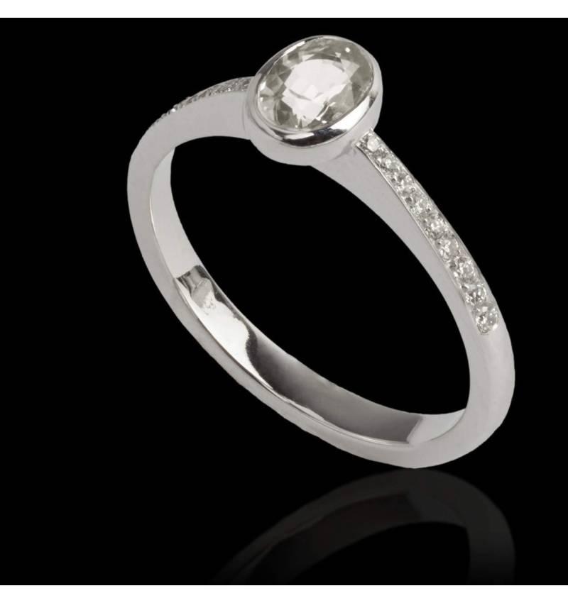 Bague de fiançailles diamant forme ovale pavage diamant or blanc Moon