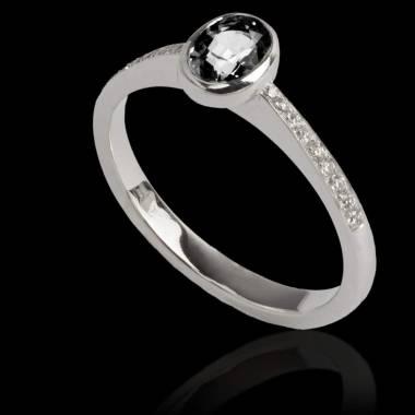 Bague de fiançailles diamant noir forme ovale pavage diamant or blanc Moon