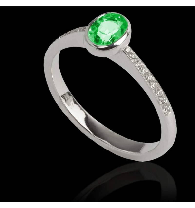 Bague de fiançailles émeraude forme ovale pavage diamant or blanc Moon