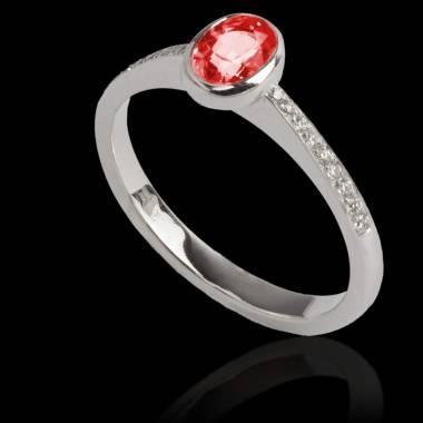 Bague de fiançailles rubis forme ovale pavage diamant or blanc Moon