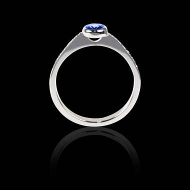 Bague Solitaire saphir bleu forme ovale pavage diamant or blanc Moon