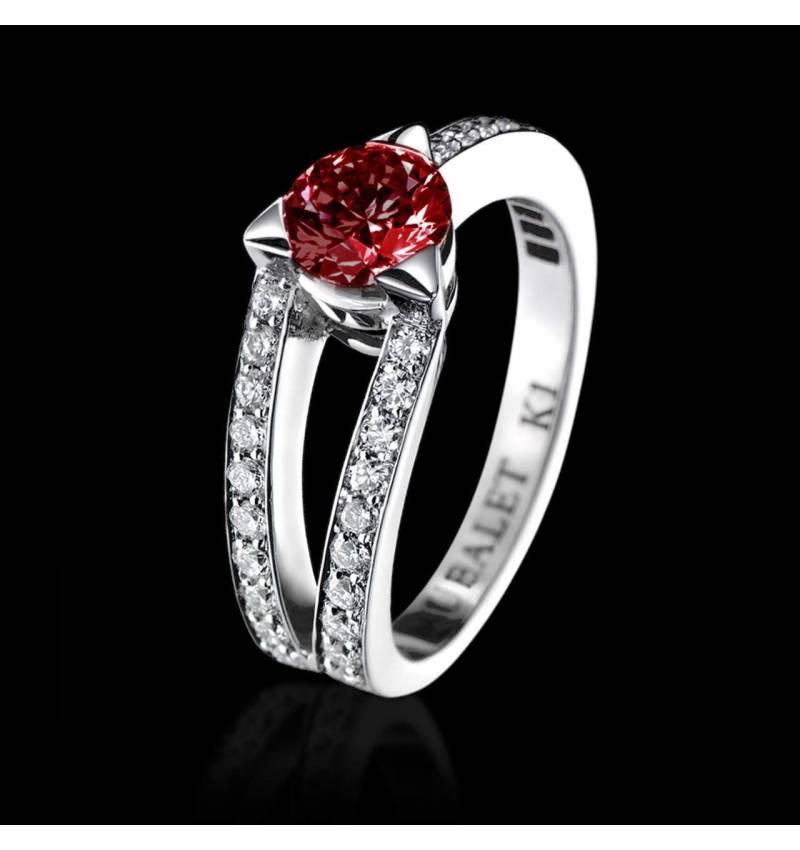 Bague de fiançailles rubis pavage diamant or blanc Plena Luna