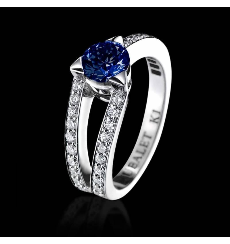 Bague de fiançailles saphir bleu pavage diamant or blanc Plena Luna