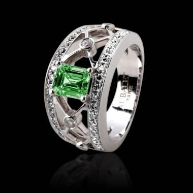 Bague émeraude forme émeraude pavage diamant or blanc Regina Suprema