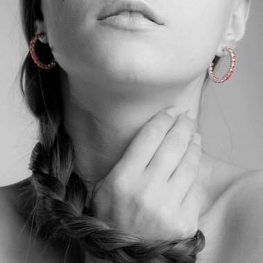 Boucles d'oreilles pavage rubis or blanc 18K Créoles Inside