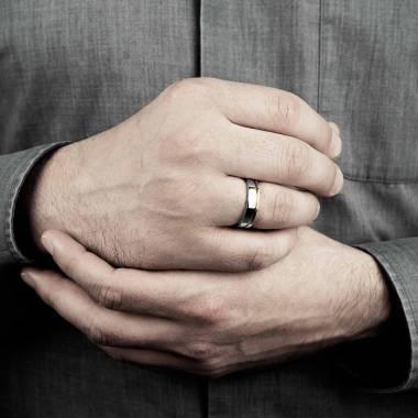 Alliance de mariage homme bicolore en or blanc et filet or jaune 8 g Alexandre