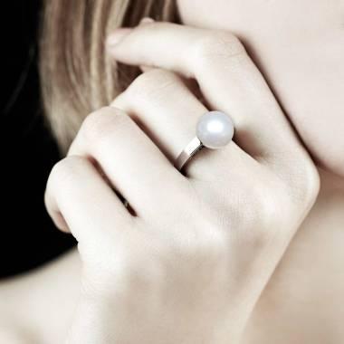 Bague de fiançailles perle blanche or blanc 18K Anara
