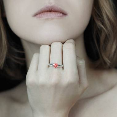 Bague rubis pavage diamant or blanc Marie