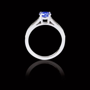 Bague Solitaire saphir bleu pavage diamant or blanc Marie