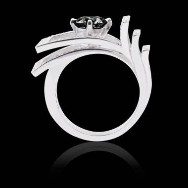 Solitaire diamant noir pavage diamant or blanc Romanesque
