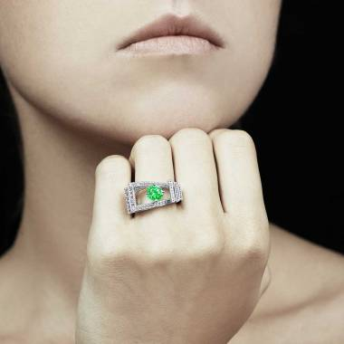 Bague émeraude pavage diamant or blanc Romanesque