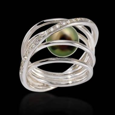 Bague de fiançailles perle noire pavage diamant or blanc Cache Cache