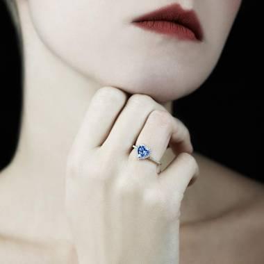 Bague saphir bleu Anya