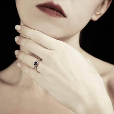 Bague diamant noir Lina