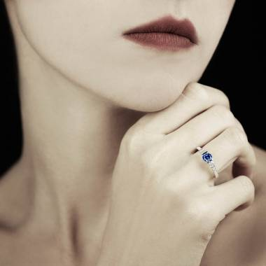 Bague de fiançailles saphir bleu Mila