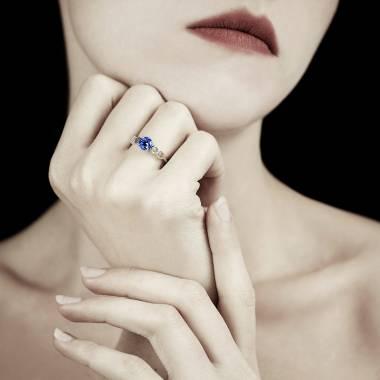 Bague de fiançailles saphir bleu Infinie solo