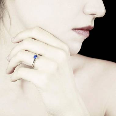 Bague de fiançailles Tanzanite bleue Anja
