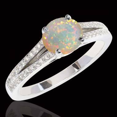 Bague-opale-blanche-diamant-marie