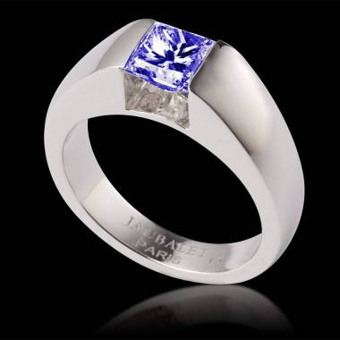 Bague de fiançailles saphir bleu or blanc Pyramide