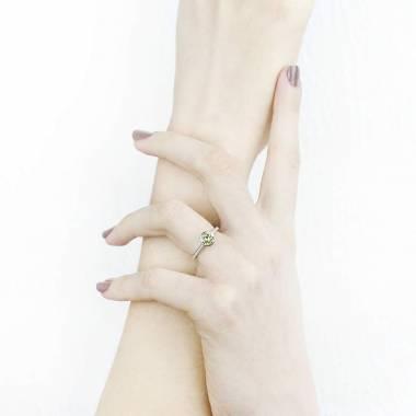 Bague de fiançailles diamant rond pavage diamant or blanc Moon