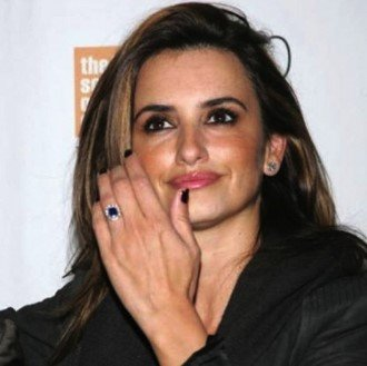 Penelope Cruz's Vintage Inspired Sapphire Engagement Ring