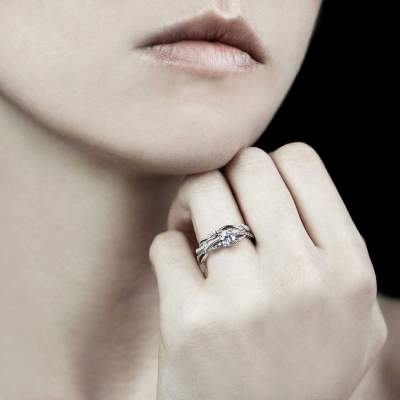alliance-or-blanc-bague-fiancaille diamant-noemie