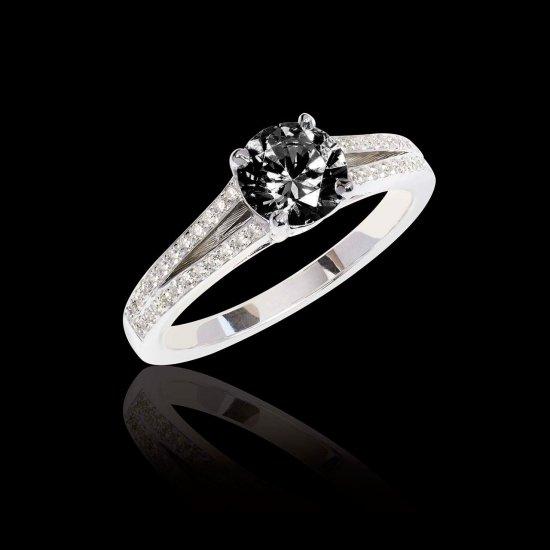bague-de-fiancailles-diamant-noir-marie